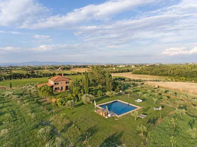 Old Tuscan country house in Montepulciano!