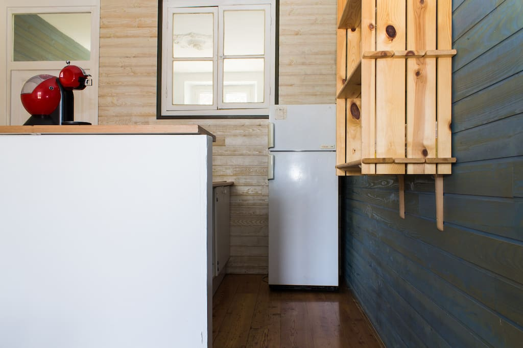 Equipped Kitchen/Cuisine equipee