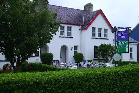 The Old Cable Historic House c.1866 - Waterville - Bed & Breakfast
