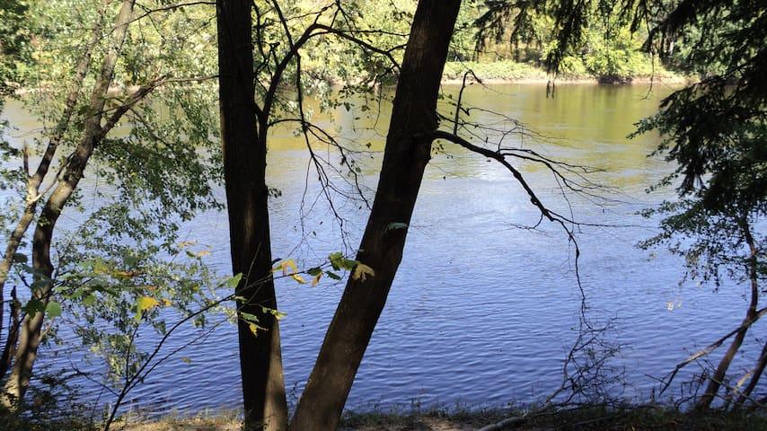 Delaware River Cabin