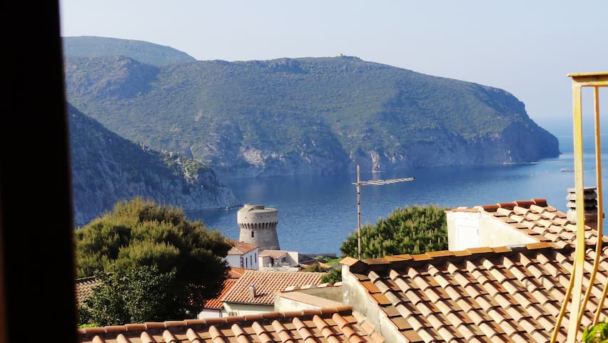 Airbnb Capraia Isola Vacation Rentals Places To Stay