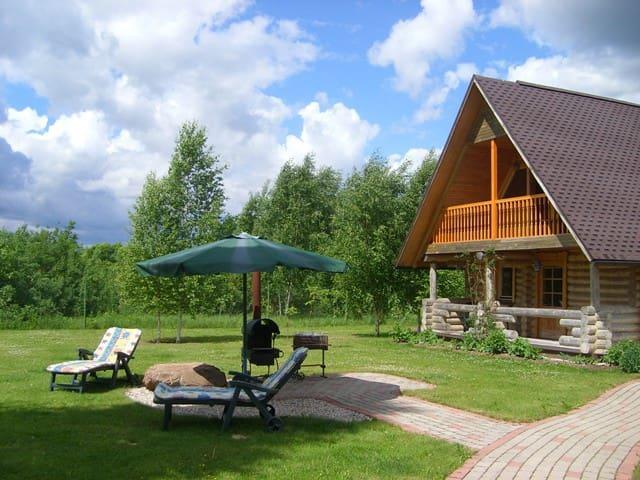 Saulkalne river house - Saulkalne - Rumah atas pokok