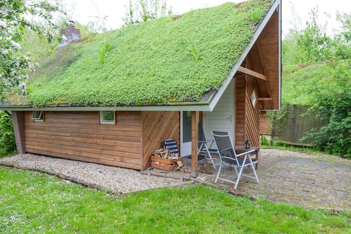 """Cabin """"De Wilg"""" - Leerdam - Casa de campo"""