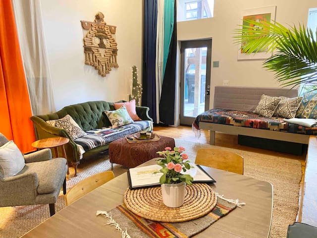 Modern Bohemian Loft: Over-The-Rhine/Downtown