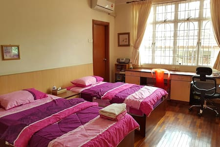 Spacious Private Room MidValley 2PP - House