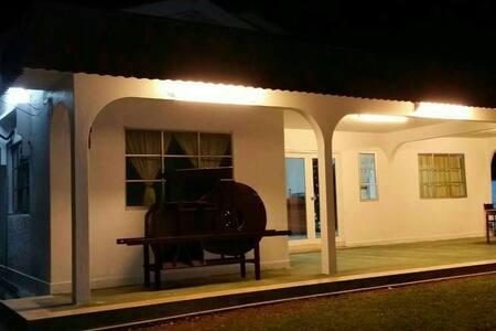 50's Lotus Village (A: Brick house) - Kuala Sungai Bahru