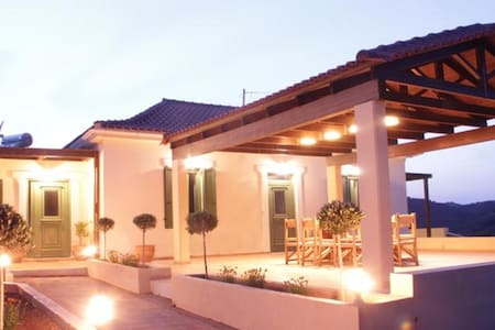 Augusta Deres, traditional cottage - Chania - Talo