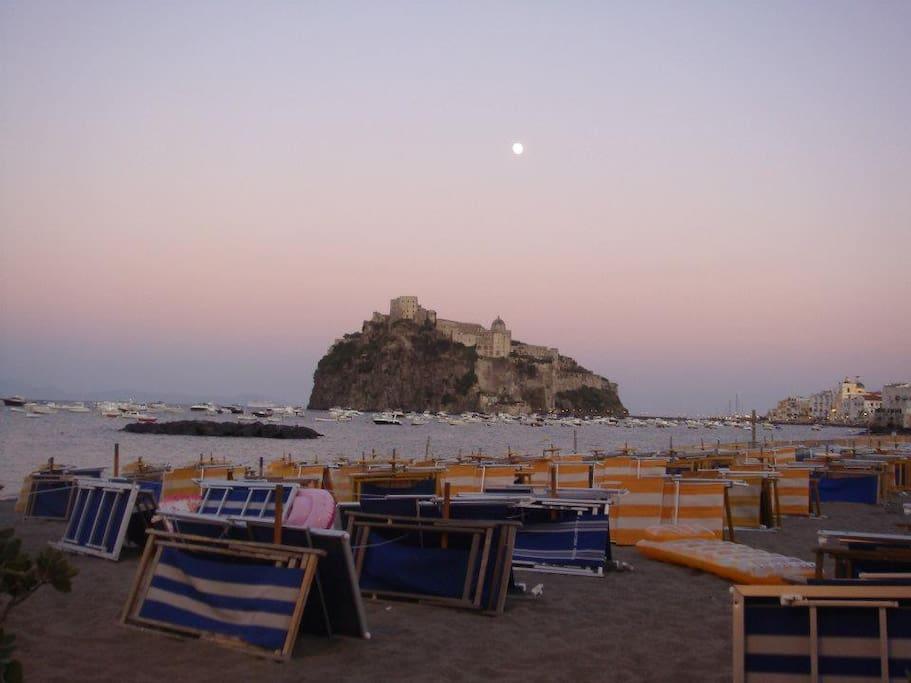 Suggestiva casetta sulla spiaggia case in affitto a - Bagno italia ischia ...
