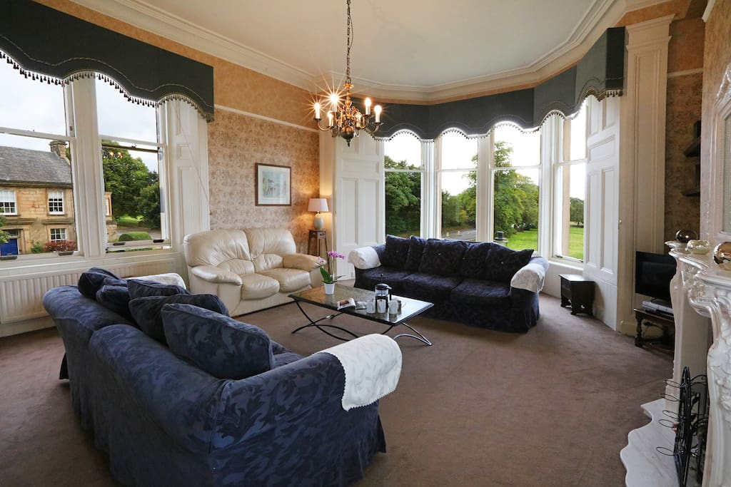 Large lounge with open views to Stirling Castle and The Trossachs