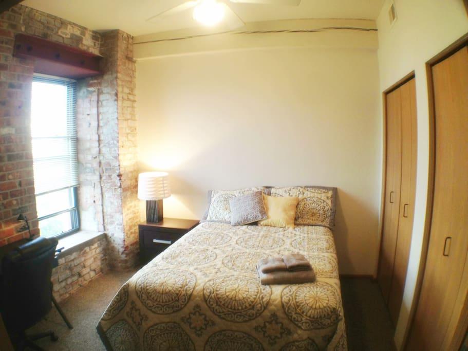 Old Market Loft - Private Bed Room