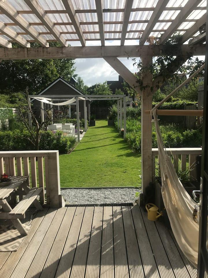 Vrijstaande gezinswoning met ruime tuin