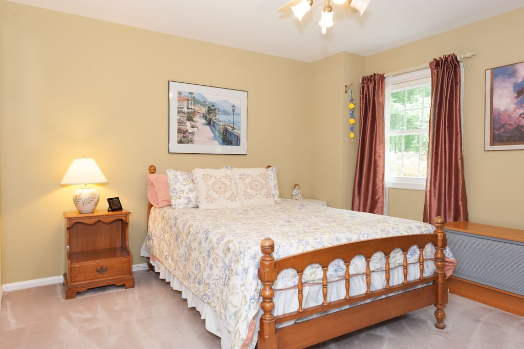 Second bedroom has a queen and is rented separately, but only to the same party