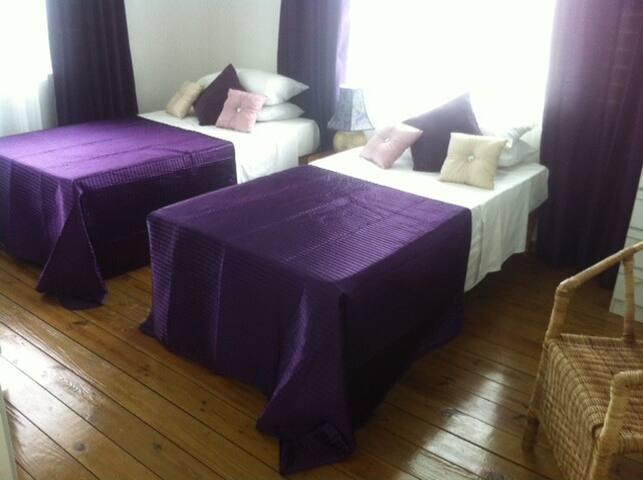 My Yard Bed & Breakfast - Tower Isle - Bed & Breakfast