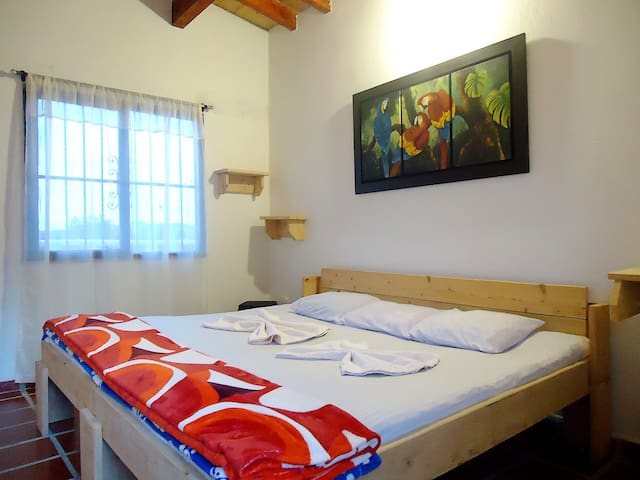 Habitación en Vista Hermosa - cama doble - 3A