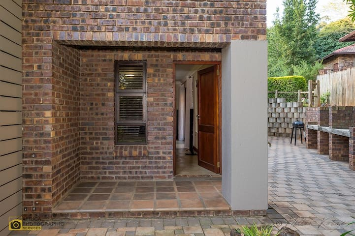 Private Entrance to lower garden apartment