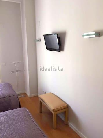 MODERN apartment in CITY CENTER + FreeWifi - València - Apartment