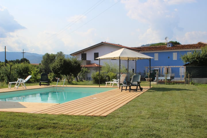 Country villa, swimming pool Tuscany near Florence