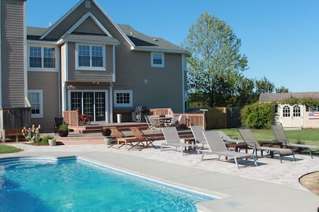 Family Retreat, In-Ground Pool, plus Private Beach