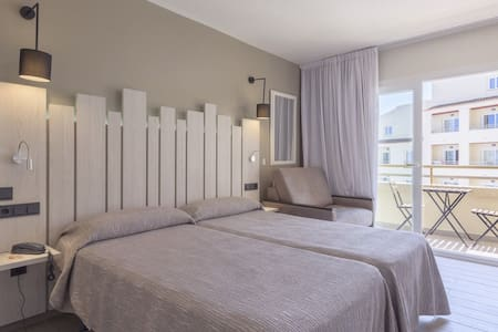 Beautiful family Studio Apartment in Santa Eulalia - Santa Eulària des Riu - Hotellipalvelut tarjoava huoneisto