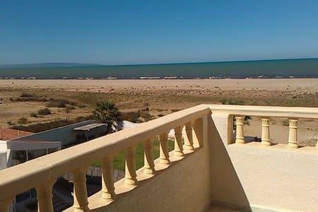 Villa au bord de mer, à 10 mn de Gammarth - Gammarth