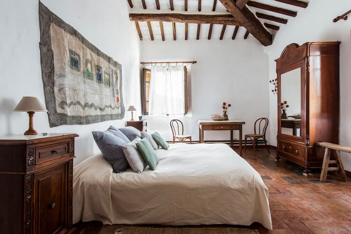 Tuscan sustainable and organic farm stay