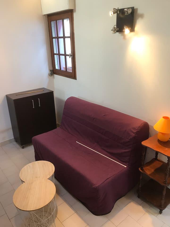 Studio mezzanine idéal pour curiste ou vacances.