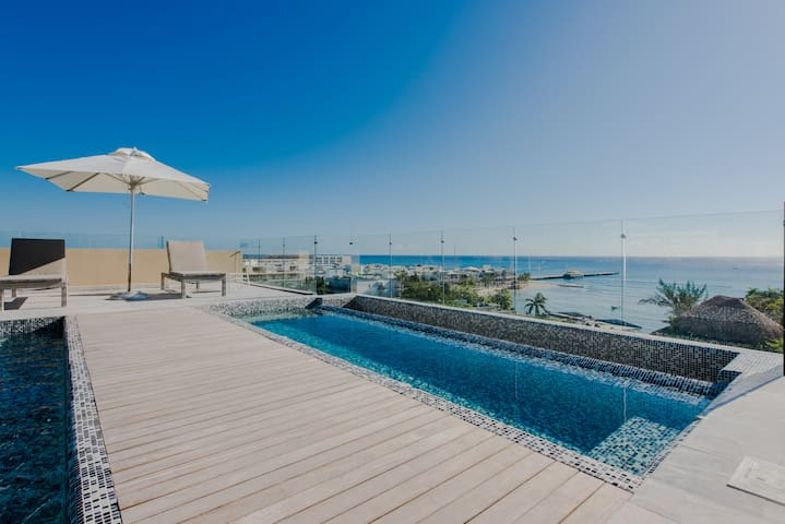 DEAL☀️BRAND NEW☀️2 Bdr☀️ROOFTOP w/POOL & SEA VIEWS