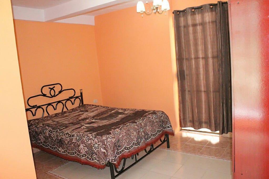 Vista de la cama de la Habitación No. 1