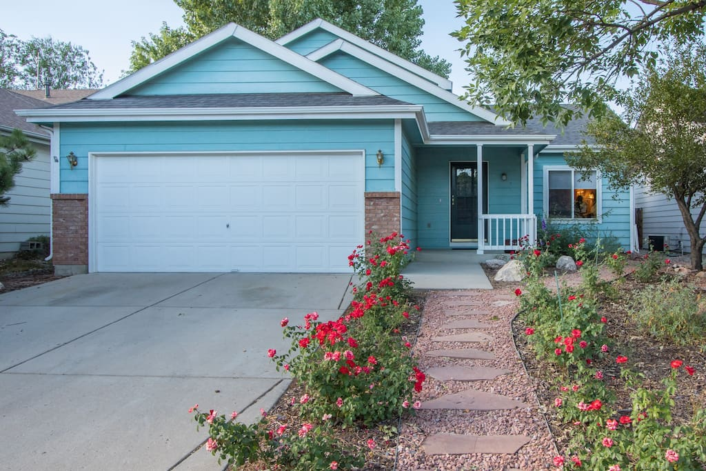 A single family home in a quiet neighborhood awaits you.  Centrally located, easy 5-10 minutes to CSU, Old Towne, Foothills Mall, groceries, movie theatre.  Or walk 1/4 mile to catch the Max, and enjoy Fort Collins without worrying about parking