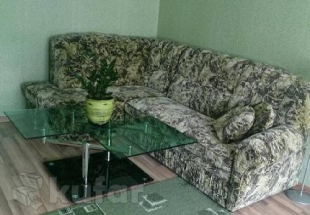 Угловой диван+кровать.