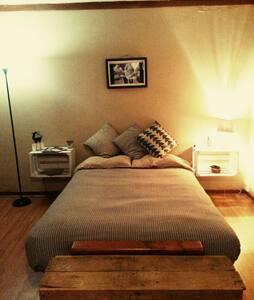 Private Room with Bath Perfect Location - Ensenada