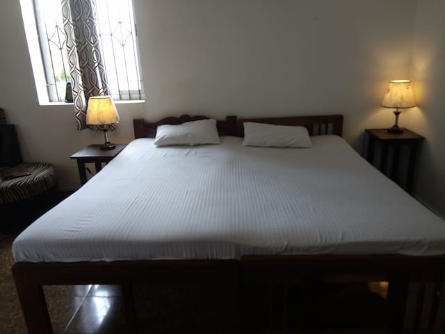 Affordable stay for a group at Baga Beach