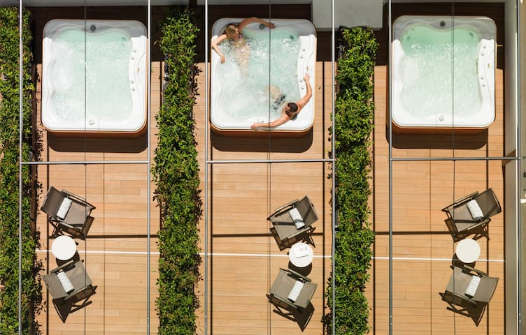 NAKAR Hotel - Deluxe with Patio & Jacuzzi