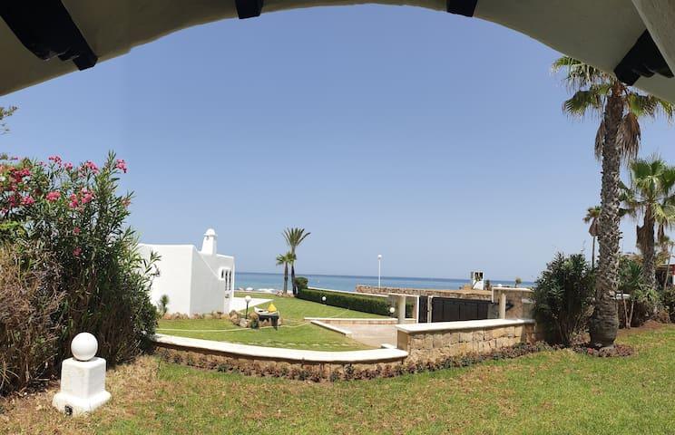 Restinga Smir - Villa très spacieuse bord de mer