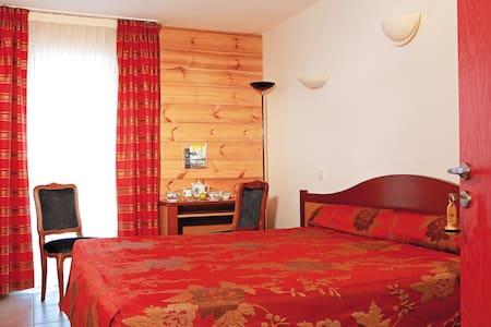 Belle chambre - Celles-sur-Plaine - Boutique-hotel