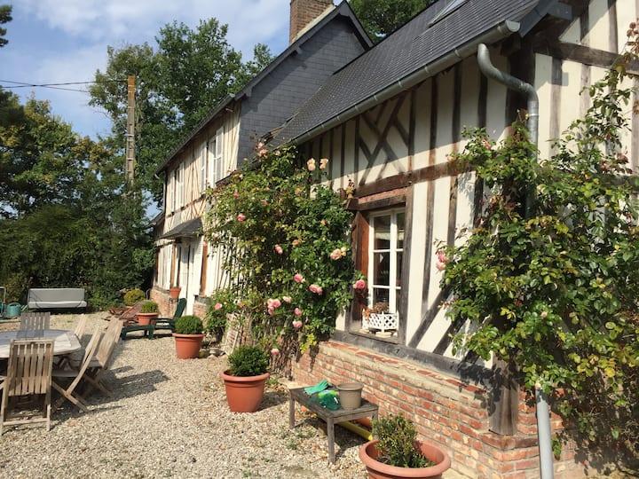 Maison normande, pleine de charme, Deauville à4 km