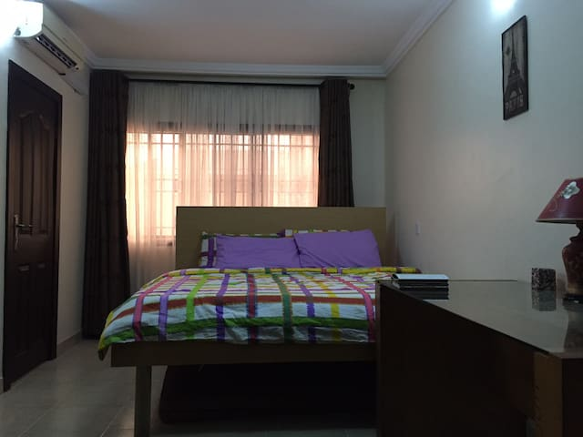 Homely and spacious room with king-sized bed - Lekki - Wohnung