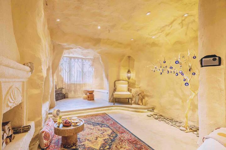 Room ②  Sultan土耳其 洞穴 沈城必打卡民宿 北站 地铁口 市中心青年大街 高清投影