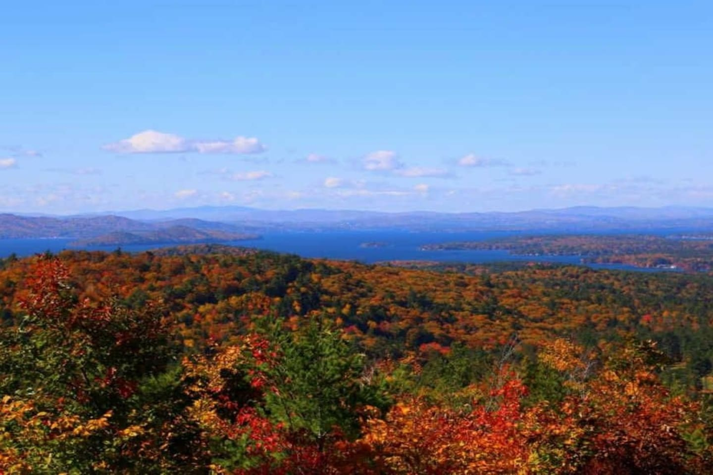 Breath taking lake and mountain views, just minutes from downtown Wolfeboro