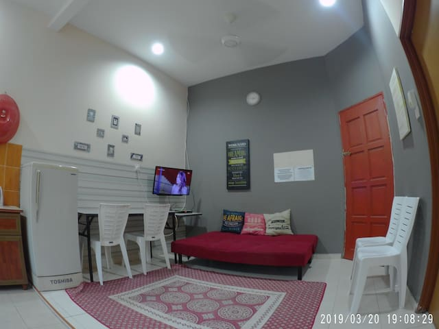 H3 - Two Bedroom Homestay (Aircond, WiFi)