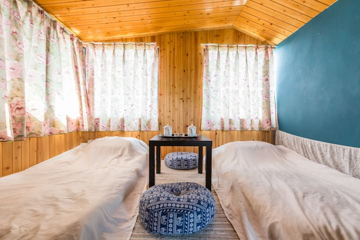 荷塘月色景区踏踏米风格的温馨浪漫小木屋!