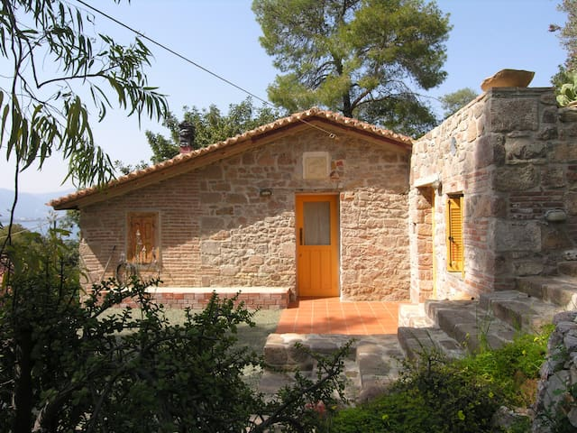 Stone build cottage in Love Bay Poros