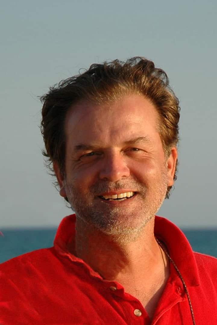Explorer and Dolphin Expert Dr. Stefan H