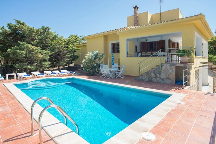 Beautiful holiday home with pool - Casa Capitán