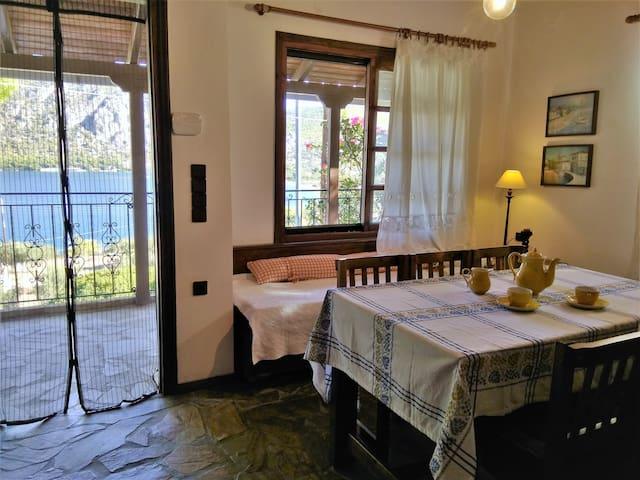LAGOON DREAM HOUSE