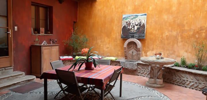 Maison au coeur d'Oloron (Chbre 2)