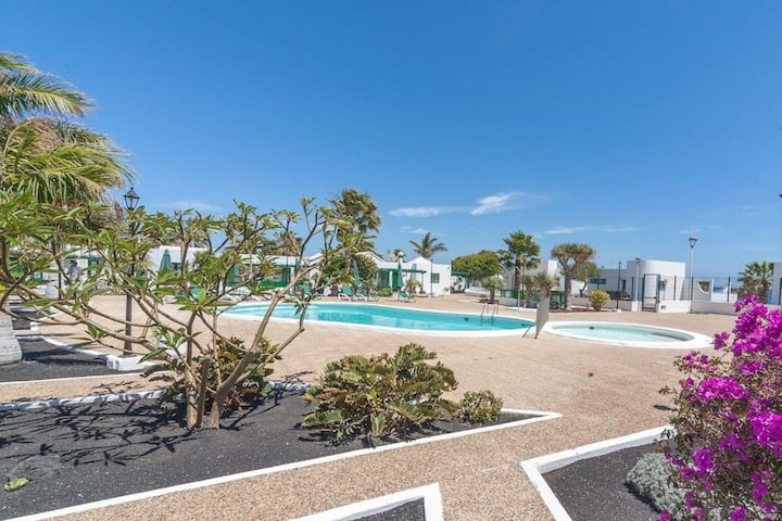 2 bed newly renovated bungalow/villa Los Pocillos.