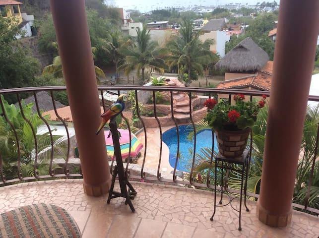 Villa Vista Royal La Cruz Balcony Apartment - La Cruz de Huanacaxtle - Lejlighed