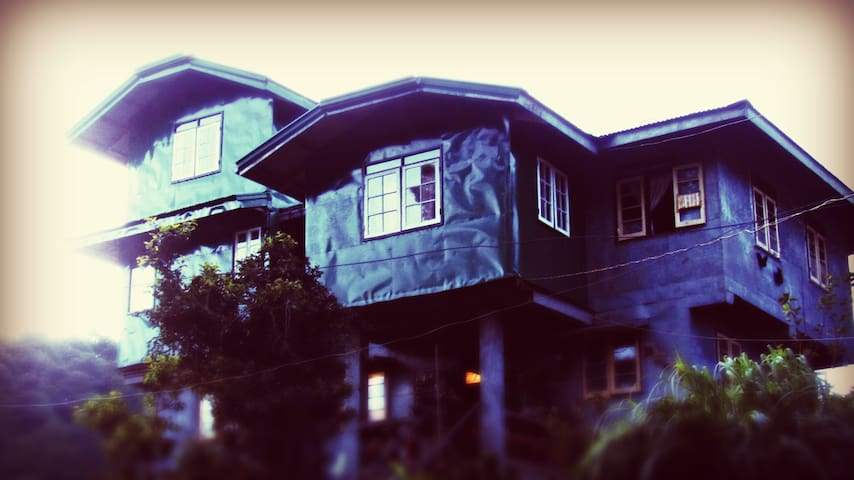 BnB on the Hill, Every Raisin Helps room - Sagada - Bed & Breakfast