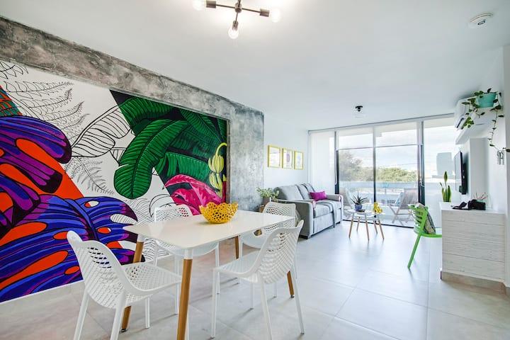 Colorful Lux Instaworthy apartment in La Placita